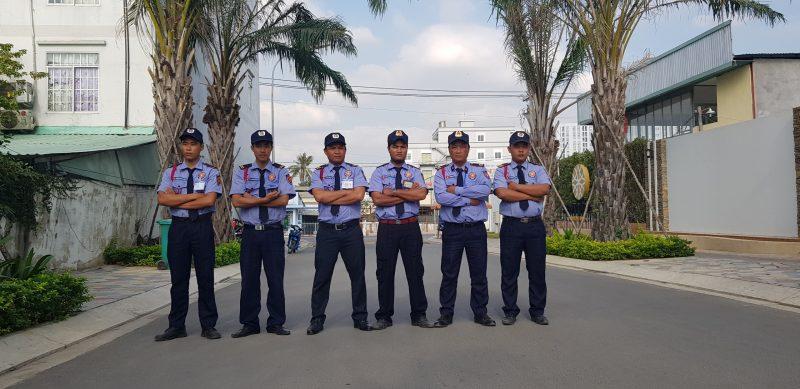 Bảo vệ khu cổng khu công nghiệp